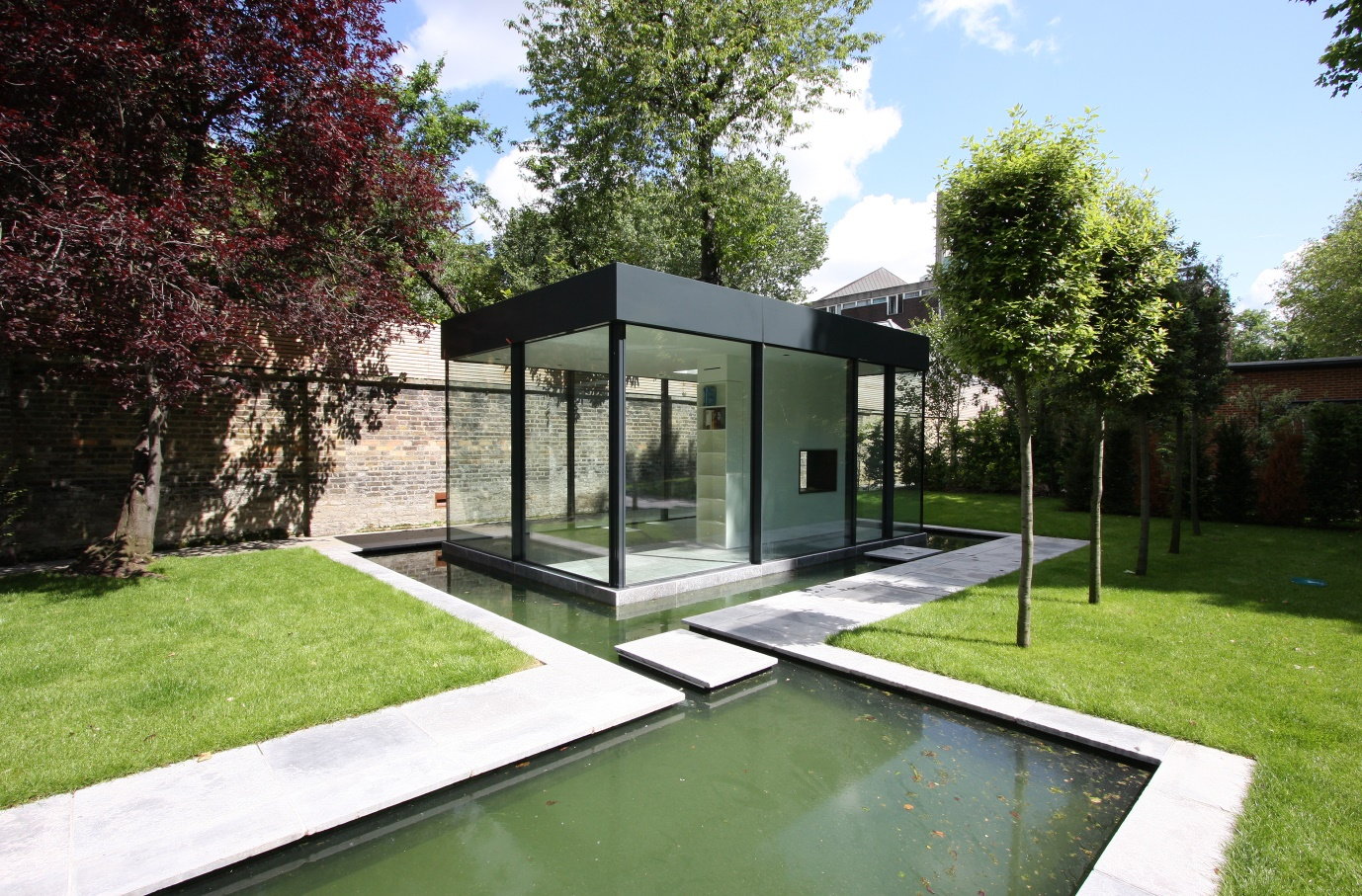 Glass box archives slim frame sliding glass doors for Modern garden rooms london