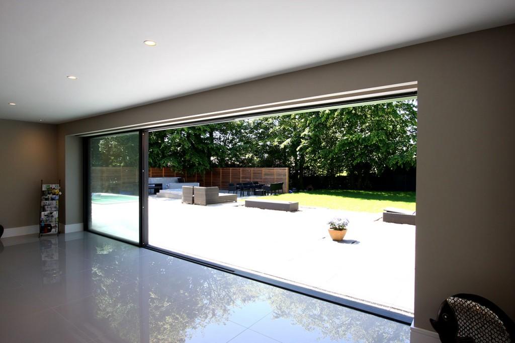 Case study new build barrington park gardens slim frame for Oversized sliding glass doors