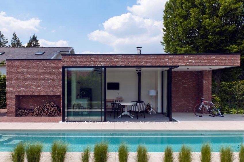 minimal windows to home office garden,