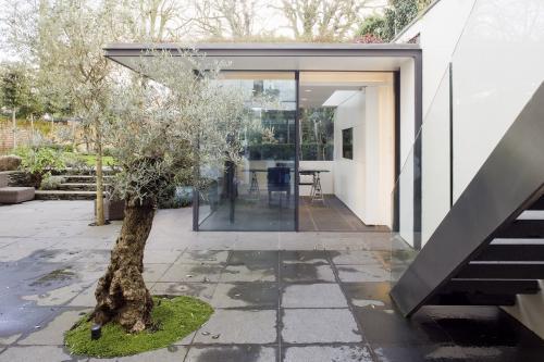 minimal windows to garden office from Richard Mitzman Architects
