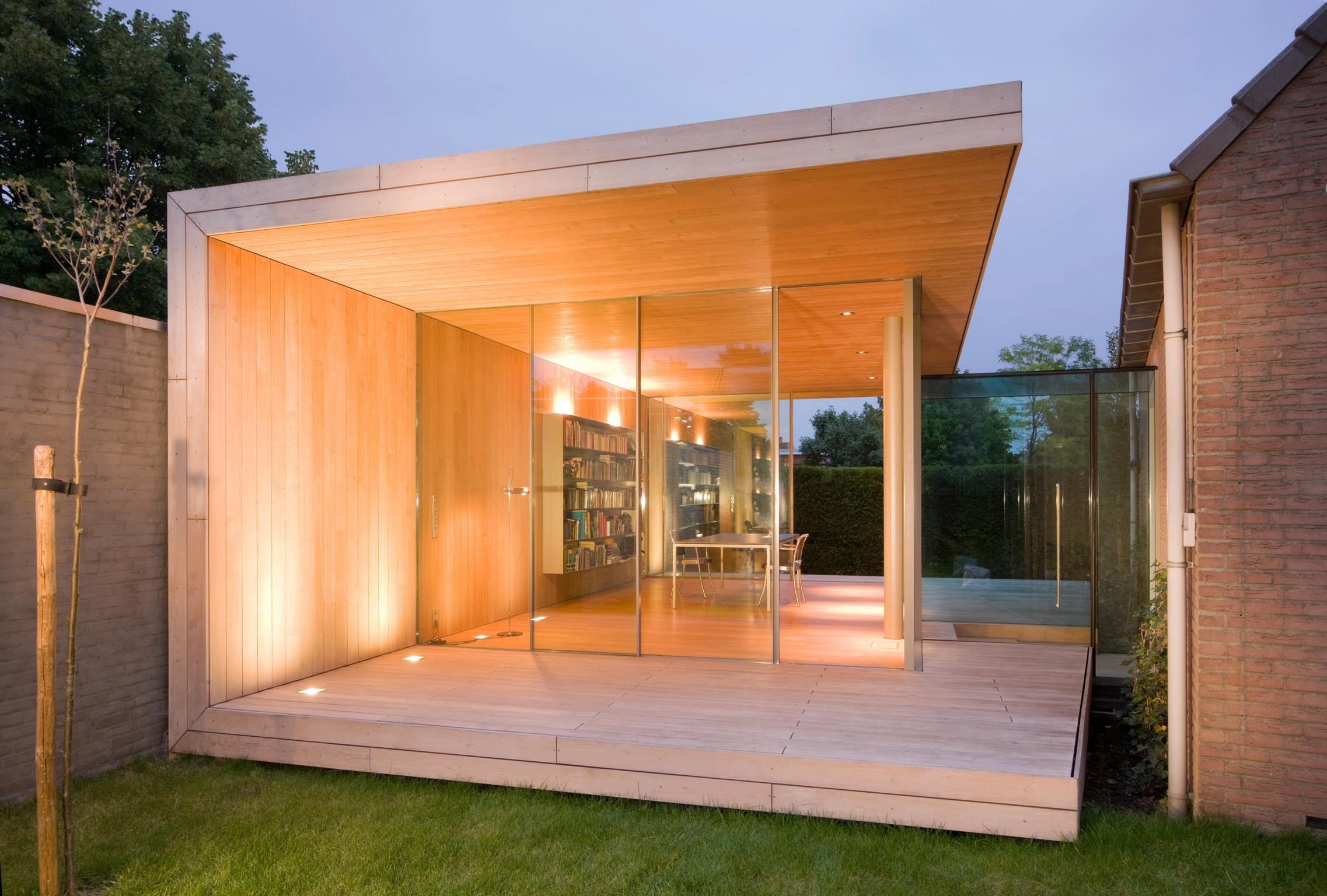 minimal windows to garden room office