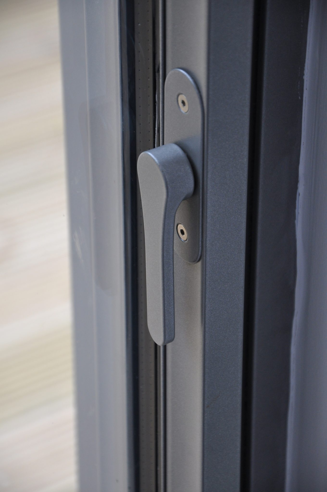 Neat contemporary locking mechanism for the minimal windows system