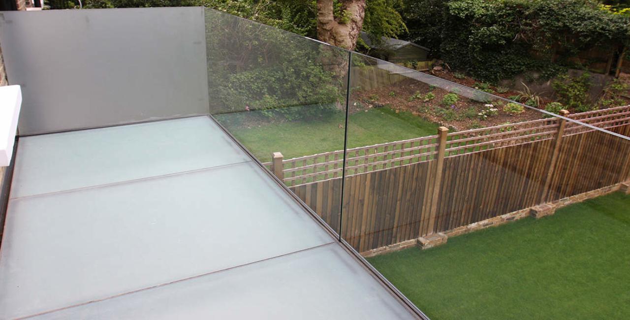 Willow Road Glass Ballustrade Glass Balcony