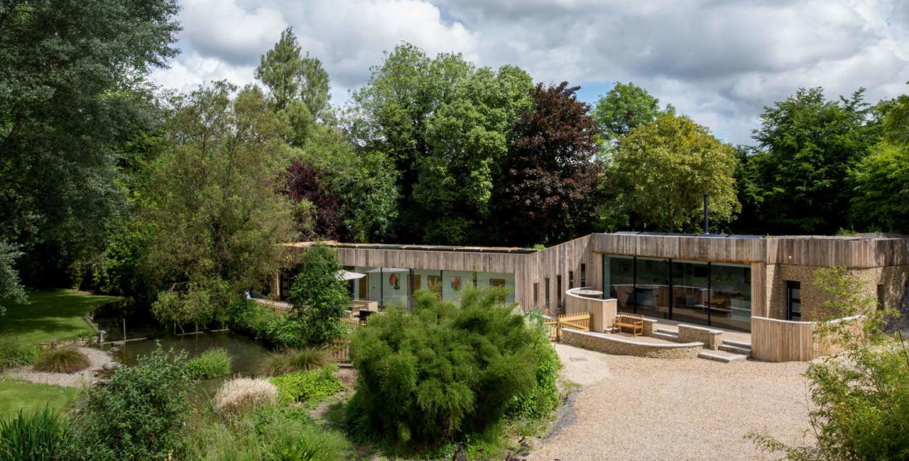 A House in the Garden - sliding glass doors (2)
