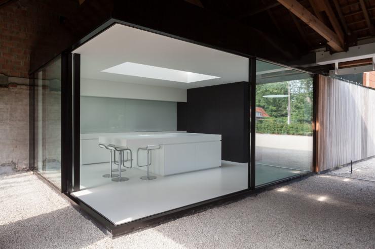 eden-house-opening-corner-sliding-doors