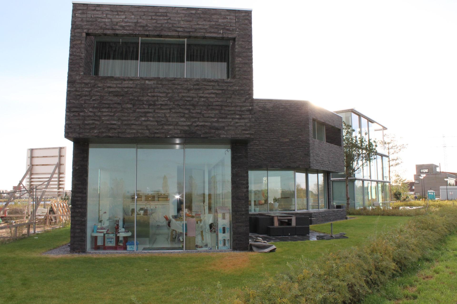 flint-house-slim-framed-sliding-glass-doors