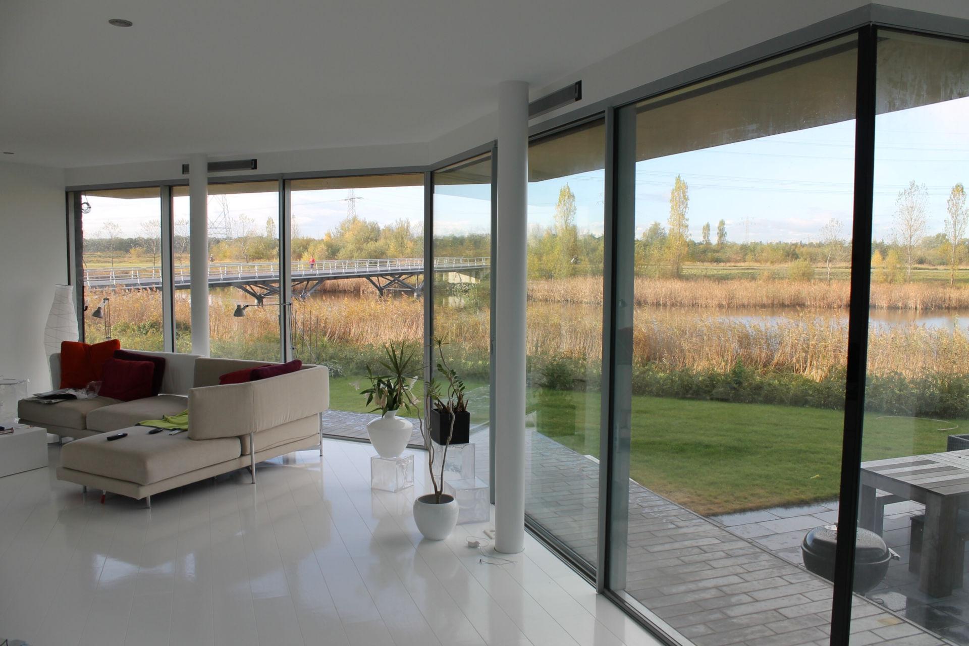 flint-house-ultra-thin-framed-sliding-glass-doors