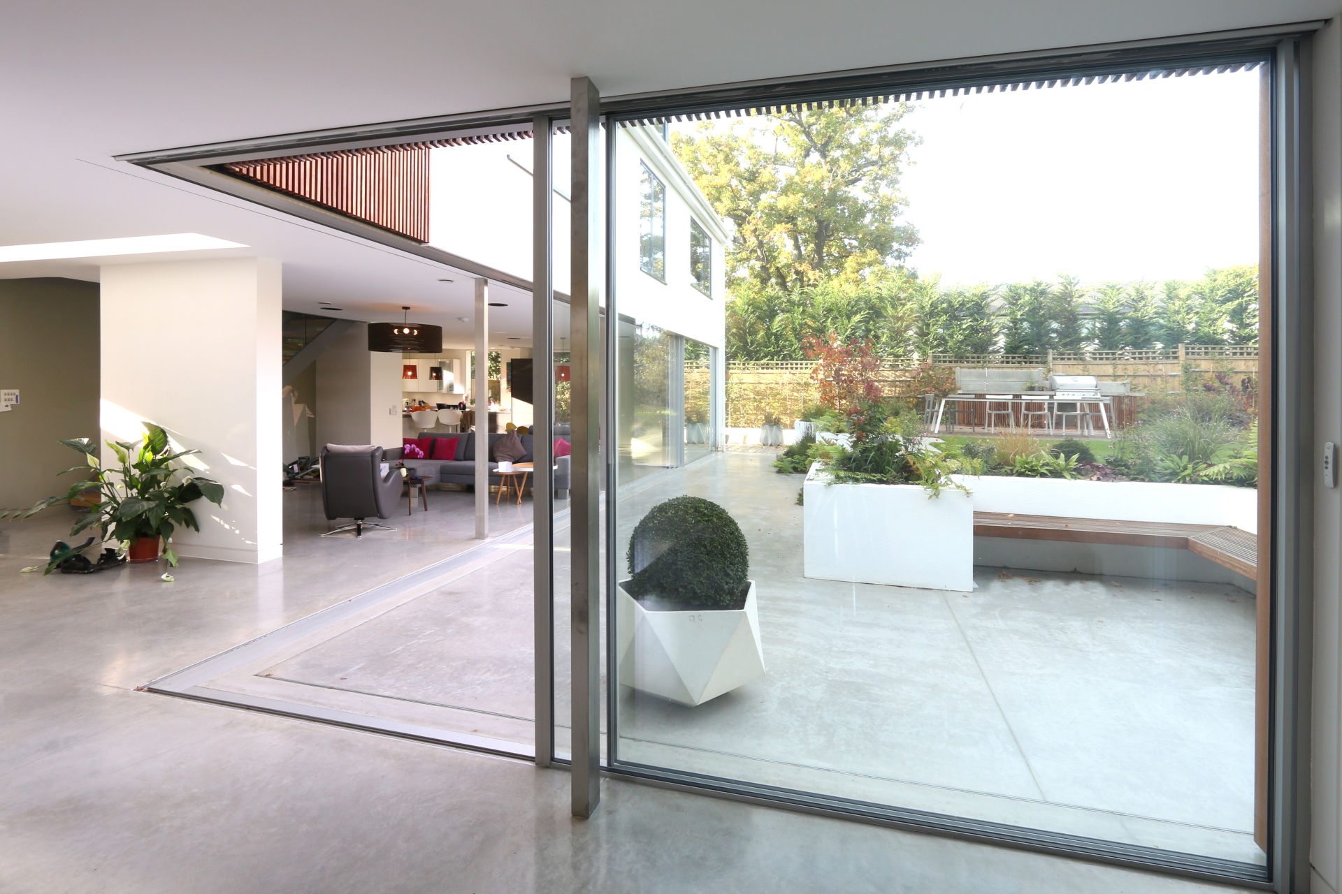 millbrook-iq-glass-sliding-glass-doors-opening-corner