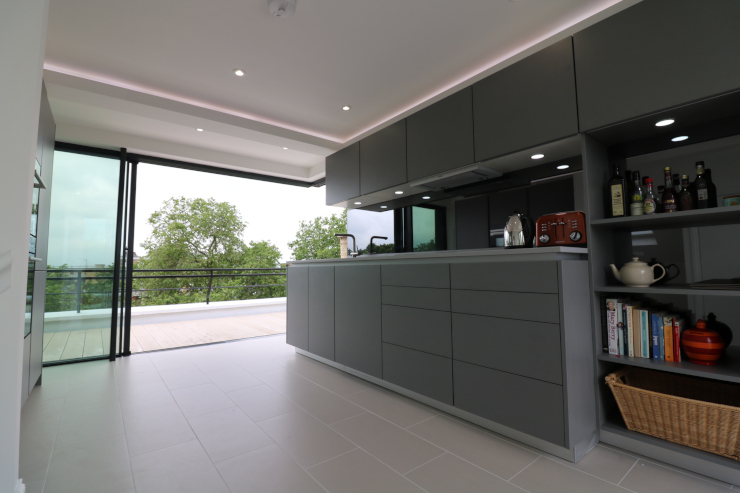 stanley-crescent-archatech-step-free-sliding-glass-doors