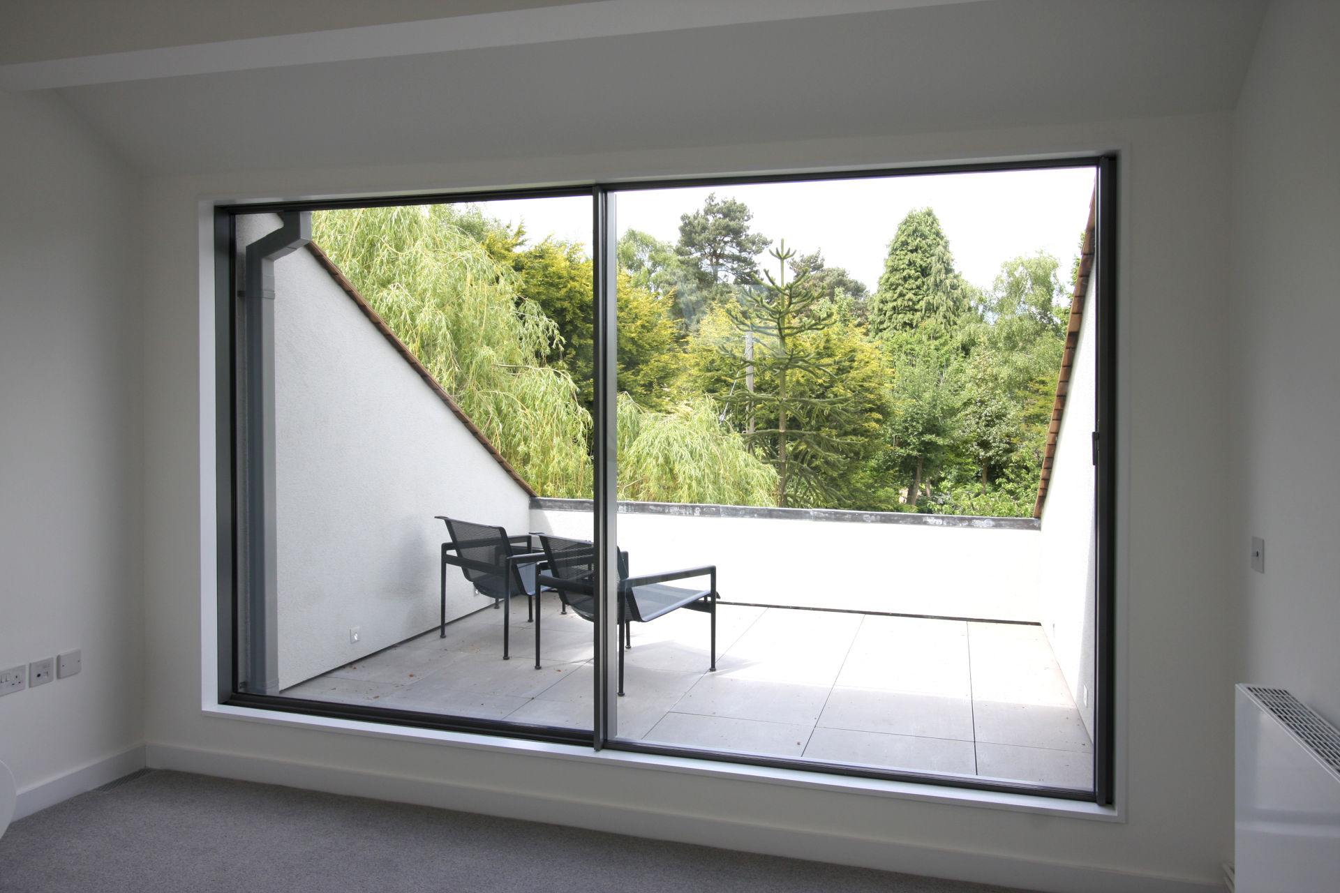 colt-house-ultra-thin-sliding-glass-doors