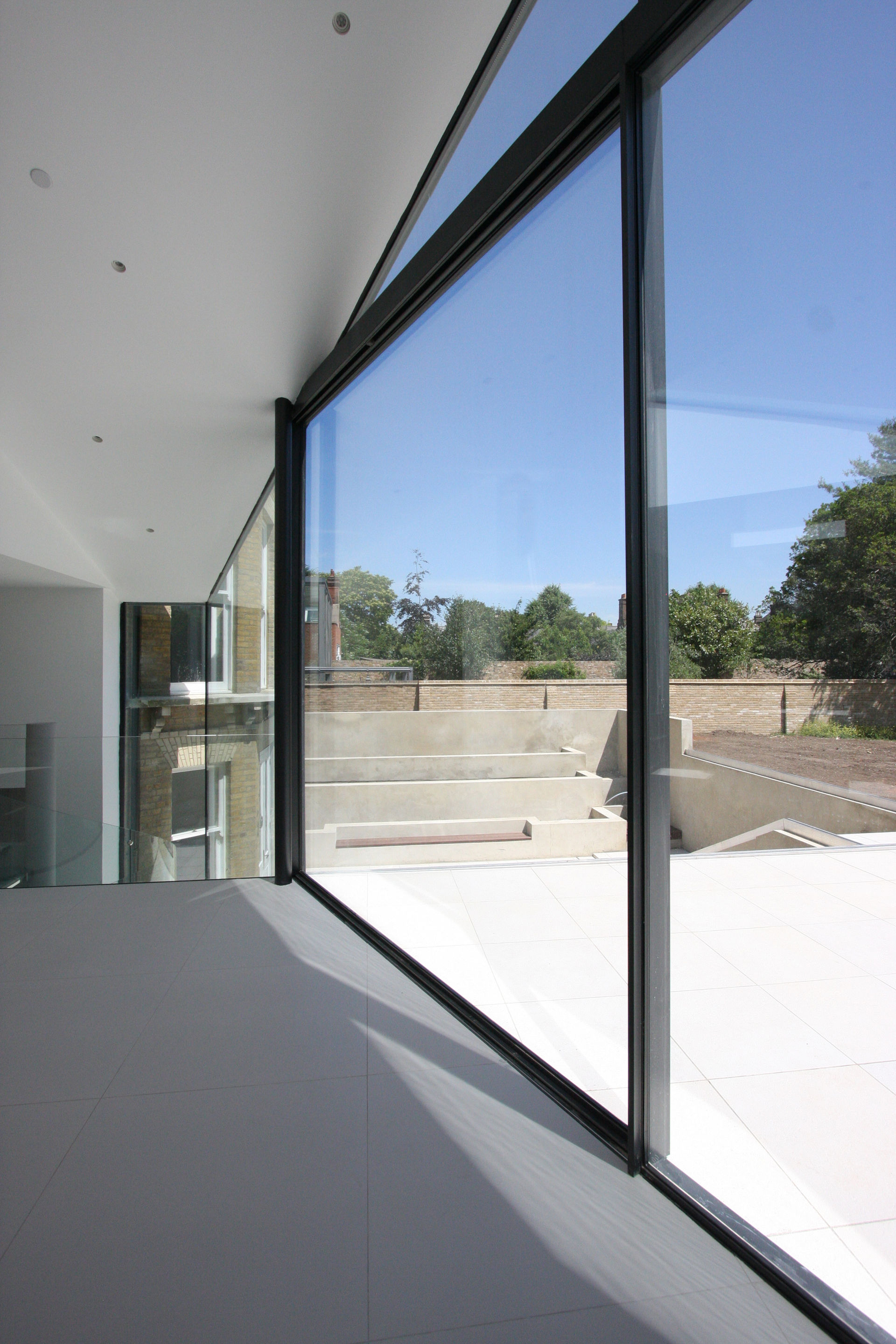 cumberland-house-ultra-thin-sliding-glass-doors
