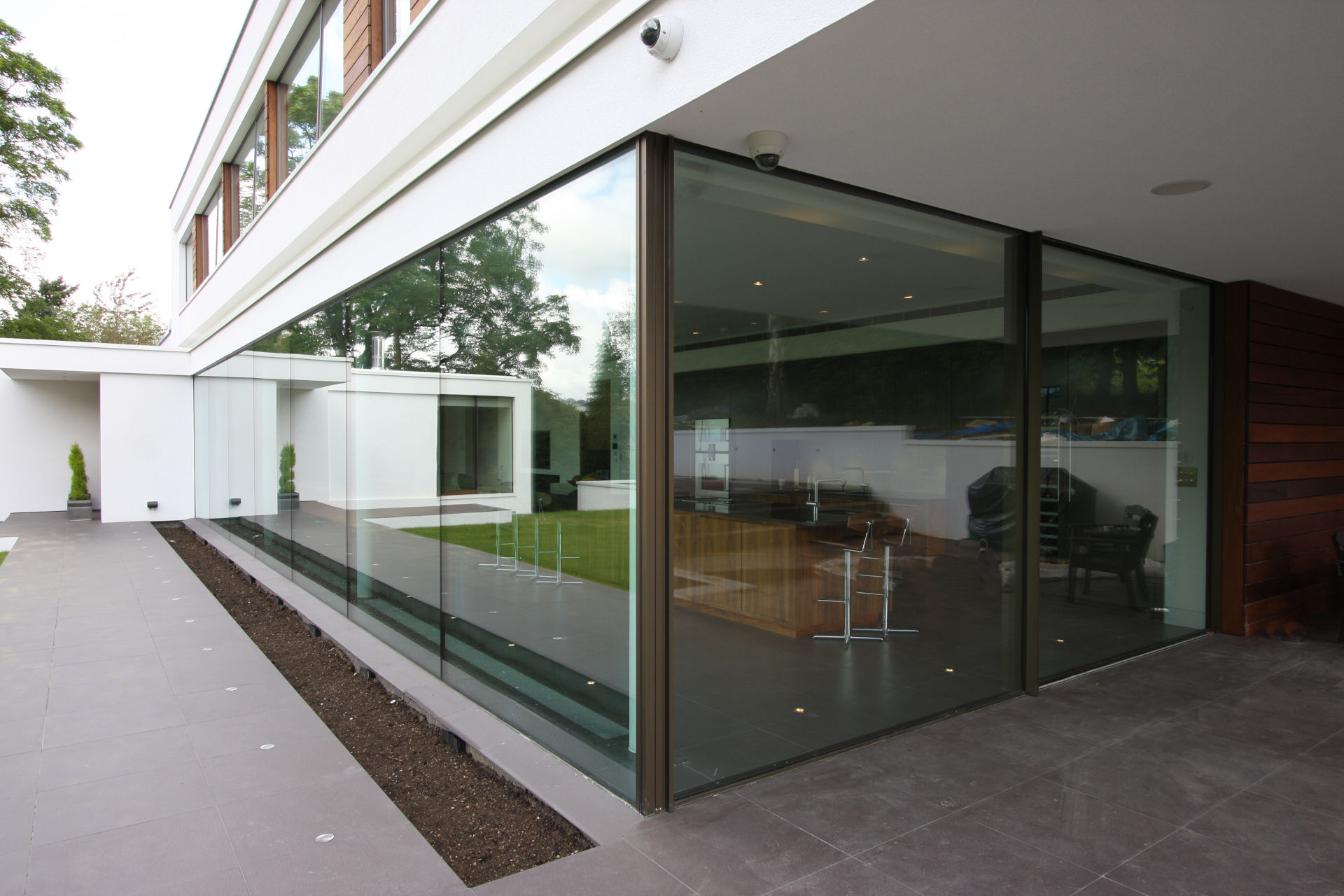 iq-glass-white-lodge-architectural-glass (93)