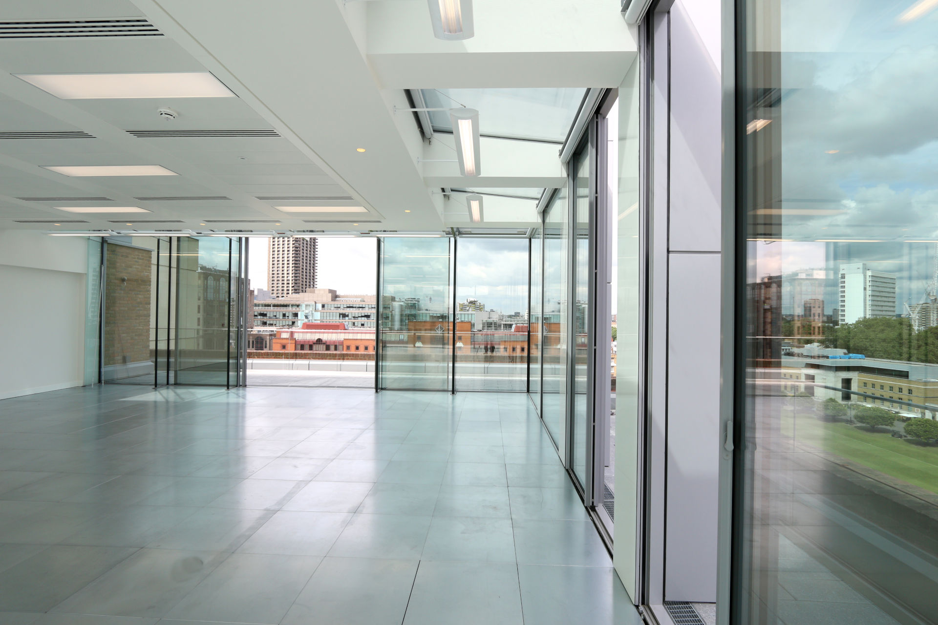 livingstone-house-minimally-framed-sliding-doors