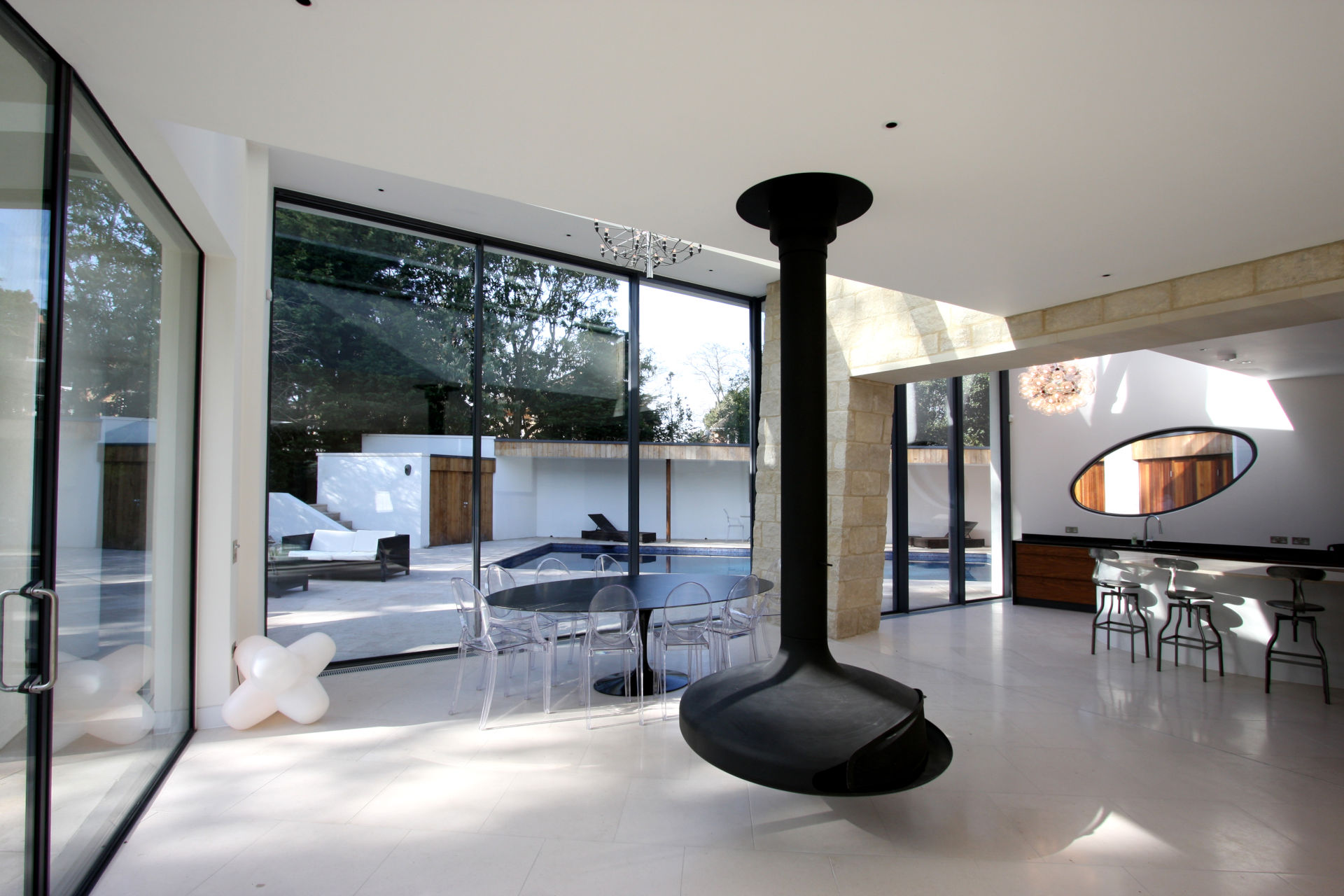 monroe-drive-ultra-thin-sliding-glass-doors