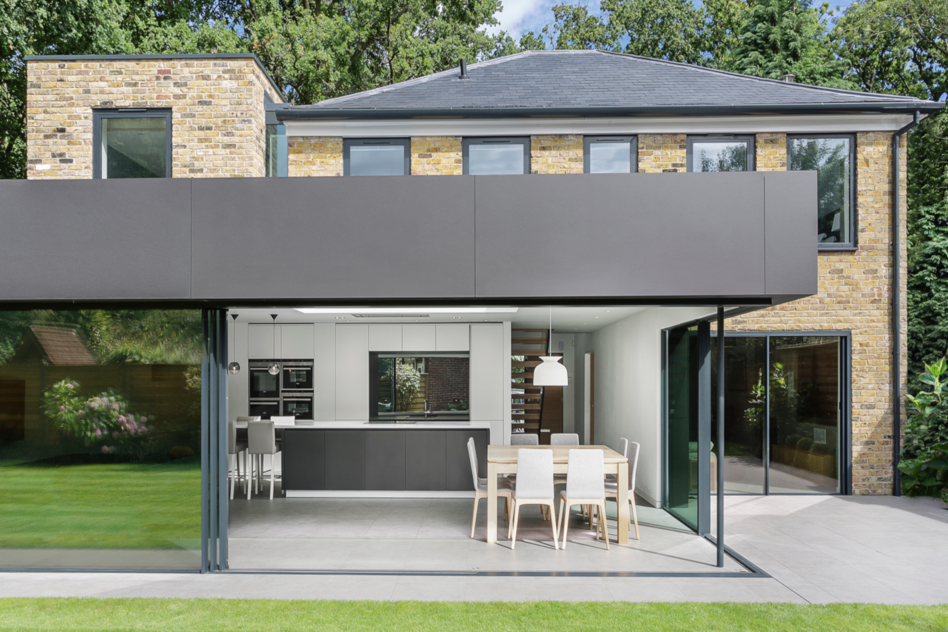 slim-frame-sliding-glass-doors-richmond-house (13)