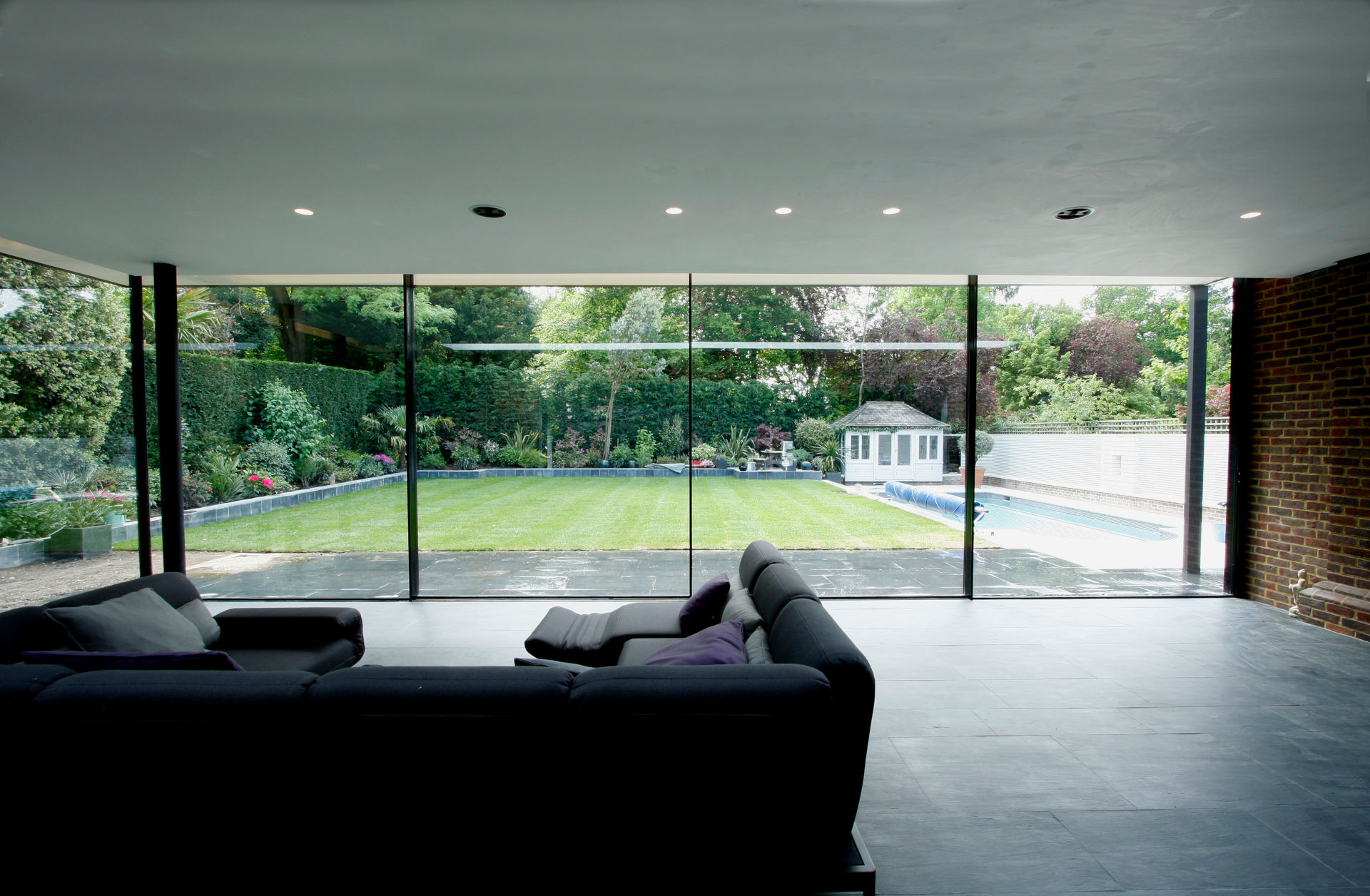totteridge-lane-ultra-thin-framed-sliding-glass-doors